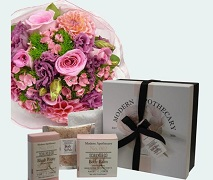 Pretty Flower posy and Scullys Apothecary peony gift box.