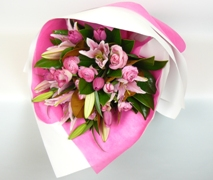 Pretty pink flower bouquet free delivery North Shore Auckland