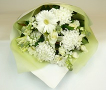 auckland florist white sympathy flower bouquet free delivery North Shore Auckland