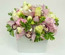 north shore flowers delivery pink floral arrangement