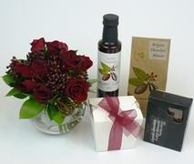 Roses and chocolates gift set. Red Roses, chocolate strawberries. Free Delivery North Shore