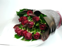 Bouquet of romantic red roses. Free Flower Delivery North Shore Auckland.